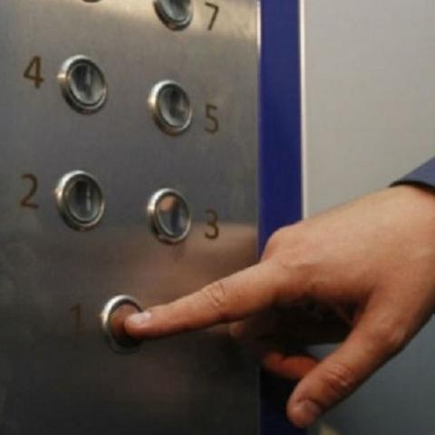 В столице отремонтируют аварийные лифты