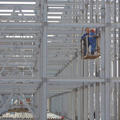 В Украине продолжает рост стальное строительство
