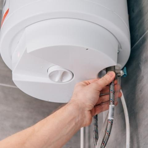 Відмовитися від послуг центрального опалення та гарячого водопостачання стало складніше