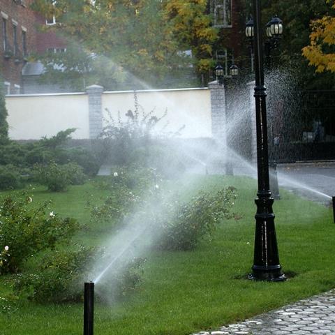 Владельцы частных домов будут платить за воду для полива территории