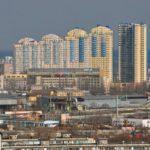 Вредные соседи: рядом с какими объектами опасно покупать жилье