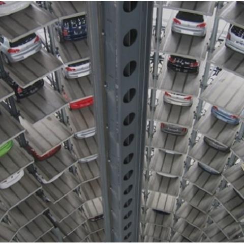 Мэр намерен строить многоэтажные паркинги на месте гаражей