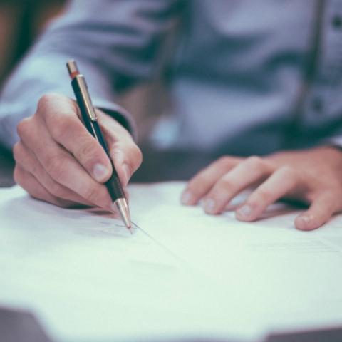 Советы юриста: На что обратить внимание в предварительном договоре с застройщиком