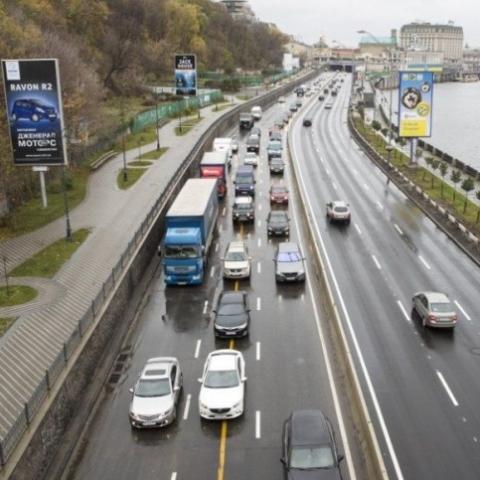 В Киеве на 17 улицах разрешили ездить со скоростью 80 км/ч