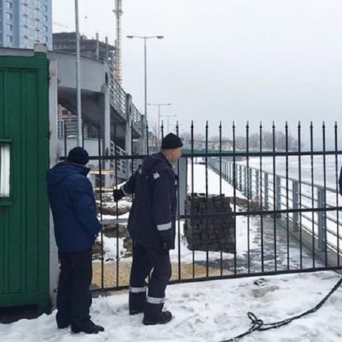 Забор возле ЖК RiverStone демонтировали