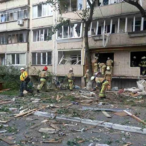 Жители взорванного дома опасаются за свое имущество